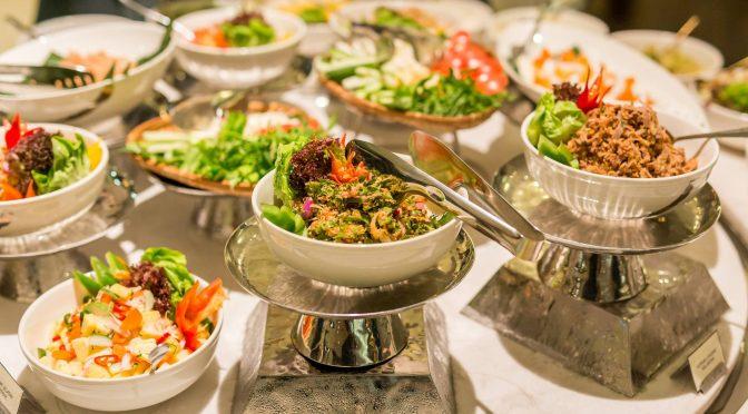 Tidak Merayakan Tahun Baru… Namun Makan-Makan dan Begadang Di Malam Tersebut, Bolehkah..?