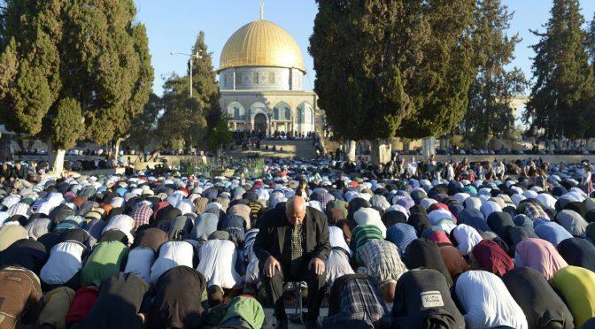 Wajib Mengikuti Imam dan Haram Mendahuluinya…